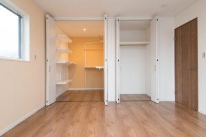 17.寝室収納(モデルハウス)
